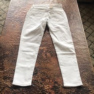 Levi's Jeans - {Levi's} 721 High-Rise Skinny Ankle Jeans. Size 27